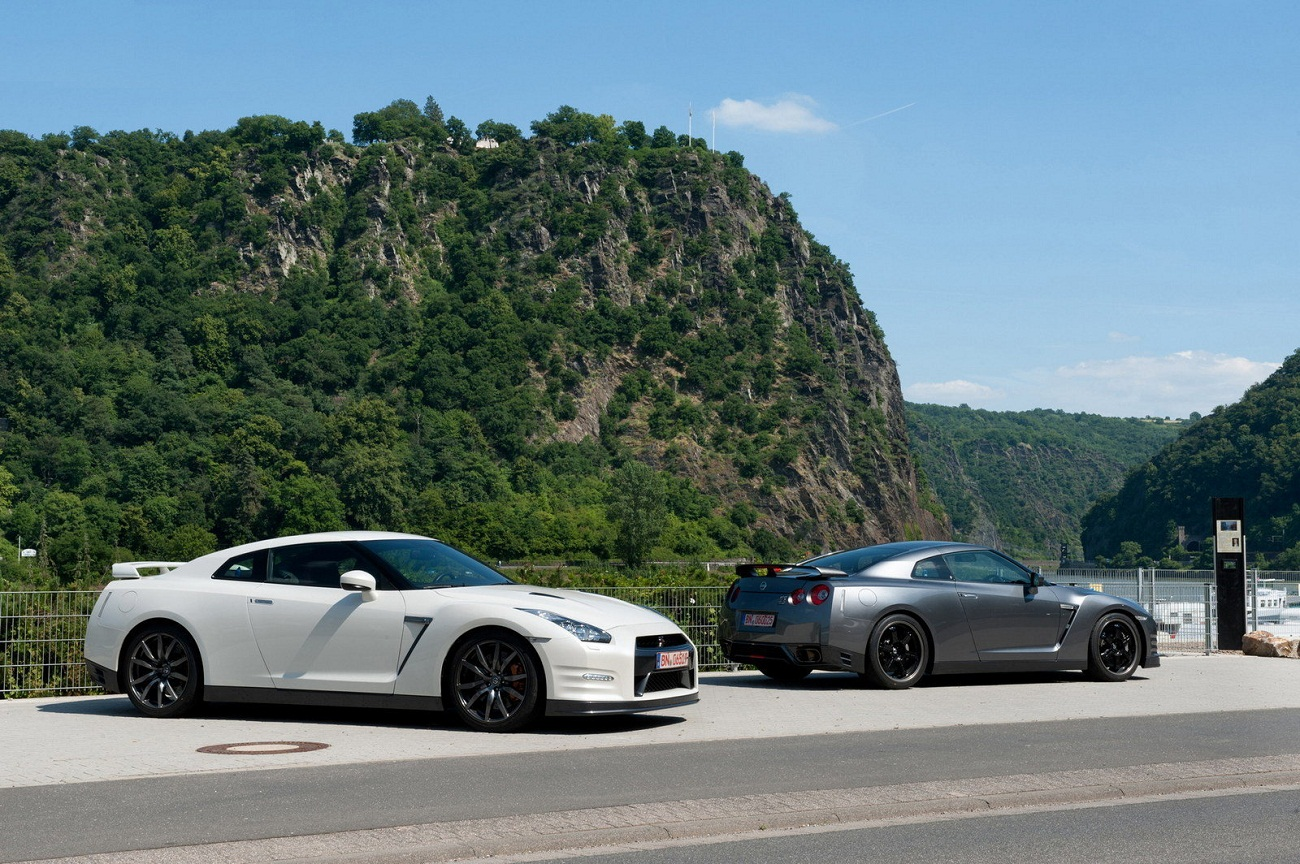 2012 nissan gt r specs information pictures. Black Bedroom Furniture Sets. Home Design Ideas